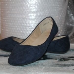 NWT New Quilted Navy Blue Ballerina Shoes,